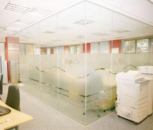 vách kính văn phòng vp01